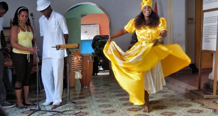 la esposa del sacerdote babalawo
